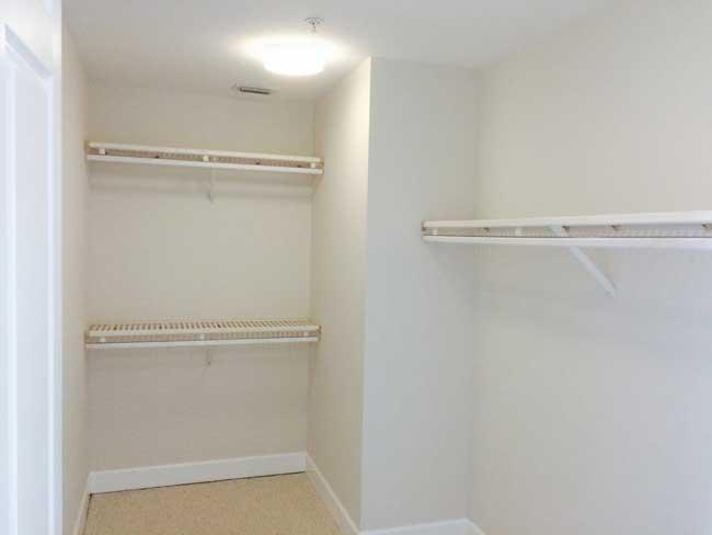 Br2-closet